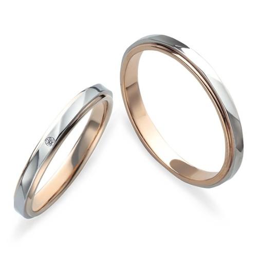 ジュエリーネモト】Petit Marie Bridal Collection・PM-35 PM-36 結婚指輪 結婚指輪(女性用):¥54,000(税込) ~ 結婚指輪(男性用):¥54,000(税込) ~ 代表モデル型番:L'S:PM-35 M'S:PM-36 花嫁が手にするブーケ、新郎の左胸を飾るブートニア、ヨーロッパの伝説に由来した二人の愛の証をリングの内側に刻印してあります。その横には永遠の絆と幸せを祈り、ローズサファイアがセットされています。 リングのデザインはプラチナとピンクゴールド二色を使用し、永く着けやすいながらも華やかなデザインが人気です。 【取り扱い店舗】水戸本店・日立店・鹿島店